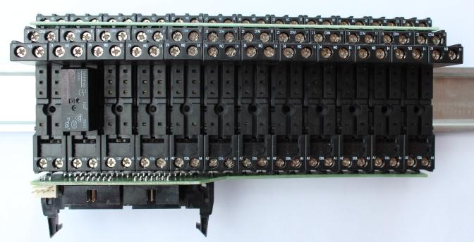 Moduł przekaźników na szynę DIN 12szt dla dużych i średnich sterowników Inteligentnego Domu eHouse