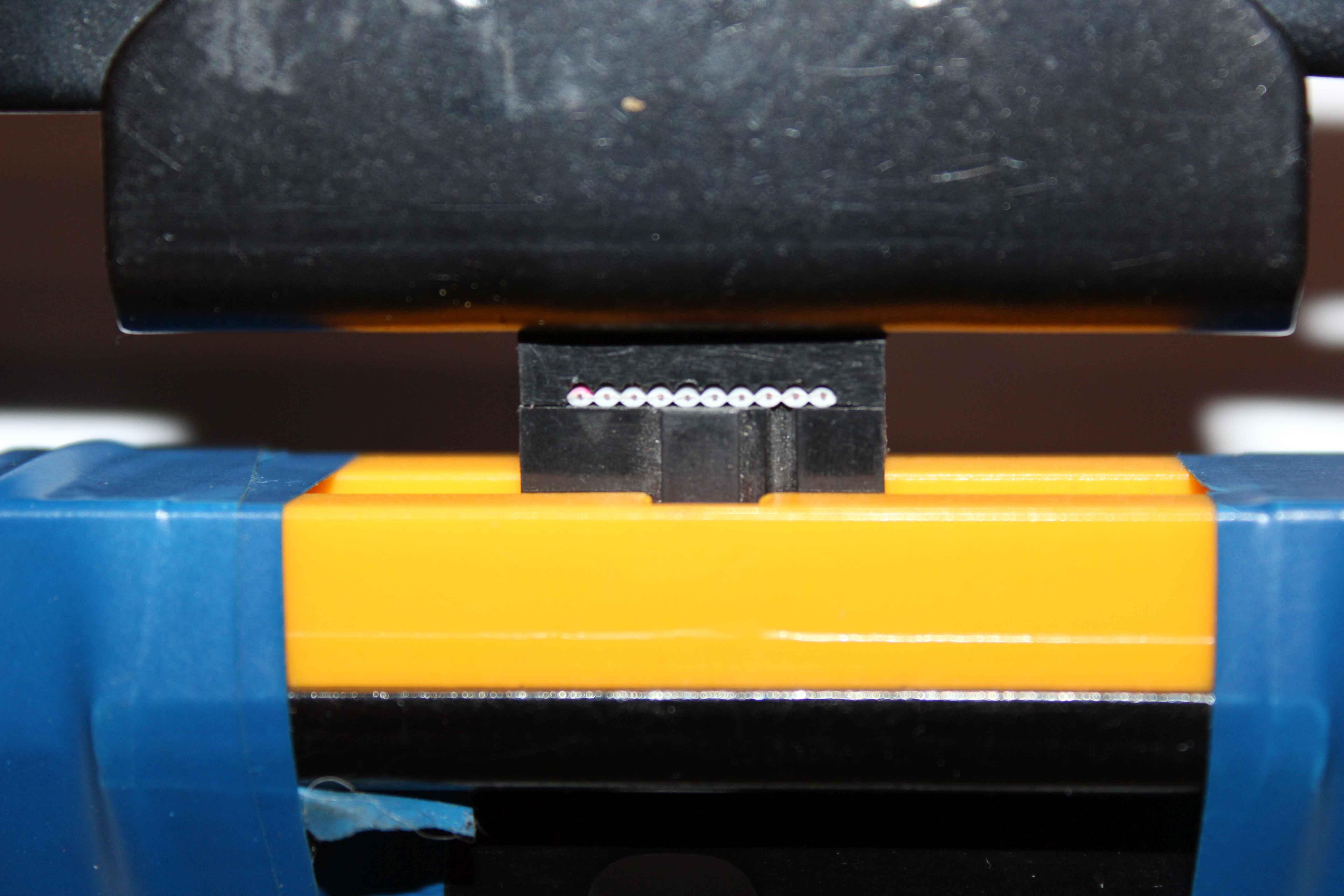 The tape flat 10 pin IDC crimping